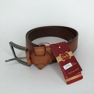 Dck brown leather belt